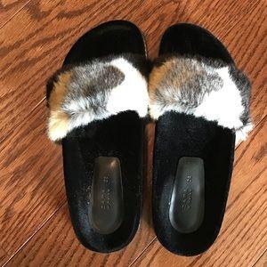 Zara Faux Fur Slides 38
